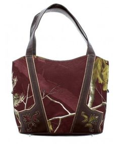 Women's Camouflage Tote Bag by Realtree