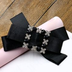 5.27$  Buy now - http://difl3.justgood.pw/go.php?t=181898002 - Elegant Rhinestone Bowknot Solid Color Hairpin For Women