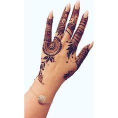 Best Mehndi designs for hands Modern Henna Designs, Mehndi Designs Book, Back Hand Mehndi Designs, Finger Henna Designs, Mehndi Designs For Girls, Mehndi Designs For Beginners, Dulhan Mehndi Designs, Mehndi Design Photos, Wedding Mehndi Designs