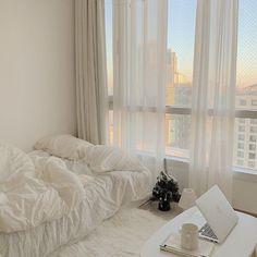 Room Design Bedroom, Room Ideas Bedroom, Bedroom Decor, Bedroom Inspo, Appartement Design, Minimalist Room, Aesthetic Room Decor, Cozy Room, Dream Rooms