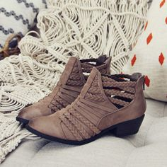 Summitview Braided Boots
