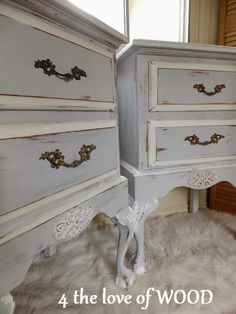 ONLY ONE COAT OF ANNIE SLOAN - french nightstands