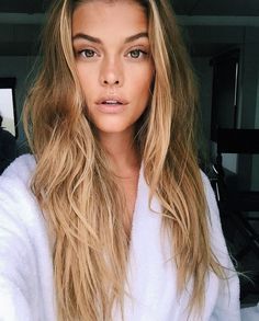 Natural Makeup Bronzed beauty makeup inspiration - You only need to know some tricks to achieve a perfect image in a short time. Gorgeous Makeup, Gorgeous Hair, Perfect Makeup, Hair Inspo, Hair Inspiration, Model Tips, Tips Belleza, Hair Dos, Pretty Hairstyles