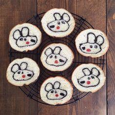 . . #イラストぱん . . . # #bread #homemade #foodpic #lovely #kidsfood #happyfood #おうちパン #手作りパン #パン作り #キャラパン #デコパン #リサとガスパール #bun #rabbit #うさぎ #食パン #kawaiifood #cutefood #artfood #