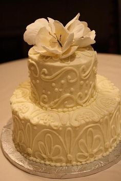 I love the scrollwork on this! Could do all in white or any combination of your color scheme. Two or three layers. Add fresh roses in pale pink Golden Anniversary Cake, 50th Anniversary Cakes, Anniversary Parties, Wedding Cake Designs, Wedding Cakes, Grandma Birthday Cakes, Cake Business, Cake Decorating Tips, Beautiful Cakes