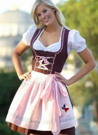 Did you see the Texas enbroidered on apron That& getting added too - dirndl. Did you see the Texas enbroidered on apron That& getting added too - Drindl Dress, Maid Dress, The Dress, German Girls, German Women, Octoberfest Girls, Sexy Women, Beer Girl, Feminine Dress