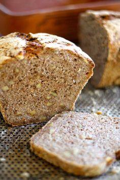 RUGBRØD MED VALNØTTER Norwegian Food, Norwegian Recipes, Bread, Baking, Patisserie, Breads, Bakken, Bakeries, Postres