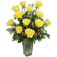 Yellow Roses-One dozen of the finest roses carefully hand arranged to reveal all their natural beauty.long stemmed yellow roses in a tall glass vase accented with greenery & filler flowers. Online Flower Shop, Flowers Online, Get Well Flowers, Planting Roses, Roses Garden, Rose Centerpieces, Sunflower Flower, Hybrid Tea Roses, Rose Wedding