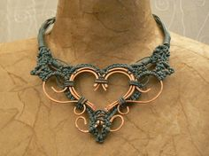 Coll. MacRAME': collana in cotone con inserti in filo di rame battuto a mano