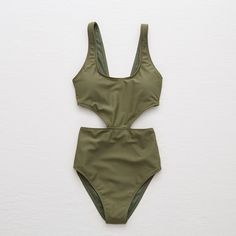 Aerie Super Scoop One Piece Swimsuit (520 UAH) ❤ liked on Polyvore featuring swimwear, one-piece swimsuits, green, aerie swimwear, aerie swim wear, one piece swim wear and 1 piece swimwear