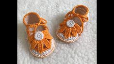 Crochet Sole, Crochet Baby Sandals, Knit Baby Booties, Baby Girl Crochet, Crochet Baby Clothes, Baby Slippers, Crochet Slippers, Crochet Hair Clips, Crochet Toys Patterns