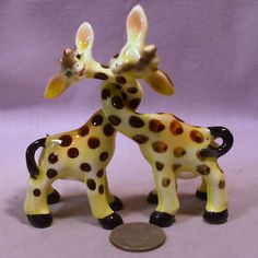Vintage twisted neck kissing giraffes salt & pepper shakers