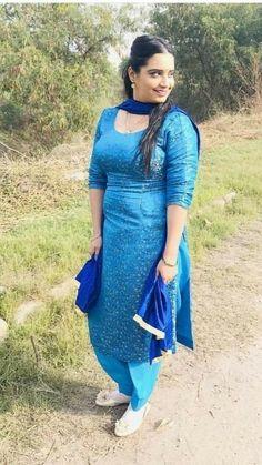 Punjabi dress Beautiful Muslim Women, Beautiful Girl Indian, Most Beautiful Indian Actress, Punjabi Girls, Punjabi Dress, Punjabi Suits, Salwar Suits, Korean Beauty Girls, Beauty Full Girl