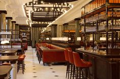 The BEST Places To Have Brunch In London Holborn Dining Room If you want to eat your eggs and waffles in a slightly more refined environment, look no further than the Holborn Dining Room. This British brasserie looks a little like a film set for an epis Rosewood London, Rosewood Hotel, London Hotels, London Restaurants, Restaurant Design, Restaurant Bar, Restaurant Interiors, Holborn Dining Room, Diy Home