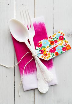 Use this free printable to craft a classy set of floral cutlery tags.