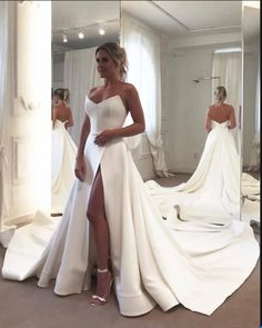 Strapless Wedding Dress Side Split Wedding Gown For Mariage Satin Chapel Train Bride Dress Vestido De Noiva Robe De Mariee Simple Bridal Dresses, Dresses Elegant, Bridal Gowns, Simple Elegant Wedding Dress, Affordable Dresses, Pretty Dresses, Casual Dresses, Wedding Dress Backs, Long Wedding Dresses
