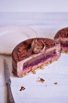 Czekoladowy tort musowy - Ciastecznik. Oblany polewą lustrzaną. Mousse Cake, Polish Recipes, Panna Cotta, Cake Decorating, Sweet Tooth, Food Porn, Favorite Recipes, Sweets, Snacks