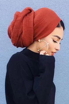 Hair Wrap Scarf, Hair Scarf Styles, Muslim Fashion, Hijab Fashion, Hijab Turban Style, Scarf Hairstyles, Head Wraps, Pleated Maxi, Maxi Skirts
