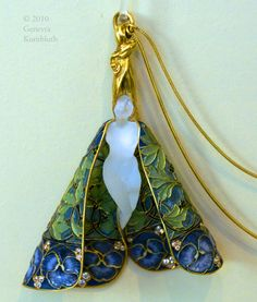 Rene Lalique, pendant with chain, Paris c.1900 by adele