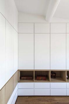 Wardrobe Door Designs, Closet Designs, Bedroom Wall Cabinets, Placard Design, Modern Closet, Bedroom Closet Design, White Appliances, Cupboard Design, Wall Shelves Design