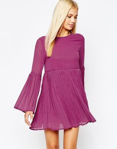 Missguided Flared Sleeve Pleated Swing Dress