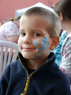 Boy-with-face-painting.jpg (800×1067)