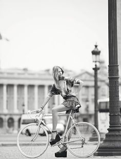 Style & Fashion. Bicycles Love Girls. http://bicycleslovegirls.tumblr.com/