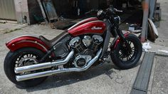 OEM rear fender chopped, wider rear tire on modified wheel, PM Forklifterkit to raise up the front, PM Exhaust System, PM license plate and Seat with Candy paint. Indian Territory, Indian Scout, Trucks, Motorbikes, Indian Motorcycles, Spirit, Vehicles, Cars, Amazing
