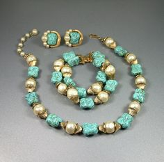 Vintage Crown Trifari Baroque Pearl Turquoise Glass Necklace Bracelet Earrings Set.