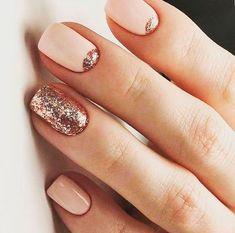 15 glitter manicure ideas for winter holidays styleoholic nageldesign Blush Wedding Nails Rose Gold Blush Nails, Glitter Manicure, Manicure E Pedicure, Glitter Nail Art, Manicure Ideas, Gold Glitter, Glitter Paint, Diy Gel Nails, Acrylic Nail Designs Glitter