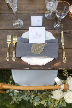 gold and grey place settings #placesettings #wedding #tabledecor @weddingchicks