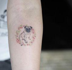 Esta muito pug http://tatuagens247.blogspot.com/2016/08/miniatura-animal-tatuagens-para-mulheres.html