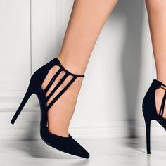 MaebelBelle Black Shoes- www.ScarlettAvery.com