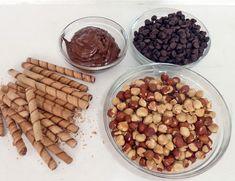 Cómo preparar tus propios Ferrero Rocher en casa Candy Recipes, Dog Food Recipes, Dessert Recipes, Cooking Recipes, Nutella Recipes, Chocolate Bonbon, Chocolate Sweets, Chocolate Hazelnut, Gastronomia