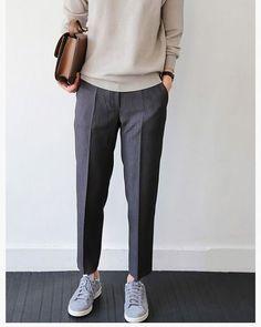 Haftaya gri bir başlangıç  #kapisle #kapislekadin #womens #women #fashion #style #outfit #look #lookbook #ootd #outfitoftheday #grey #winter #europe #cool #formal #masculine #instagood #monday #newweek