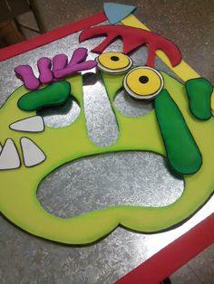 "Rompecabezas de encastre a partir del libro álbum ""Fuera de aquí horrible monstruo verde"" Africa, Green Monsters, Reading Strategies, Puzzles, Art Kids, Autism, Preschool, Kids"