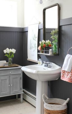 How to decorate your bathroom using beadboard! These beadboard bathroom ideas will transform your next bathroom renovation. See our inspiration including modern bathrooms, traditional bathrooms, coastal bathrooms and more. Painted Wainscoting, Dining Room Wainscoting, Wainscoting Styles, Wainscoting Bathroom, Black Wainscoting, Wainscoting Panels, Bathroom Cabinets, Bathroom Faucets, Ceiling Beadboard