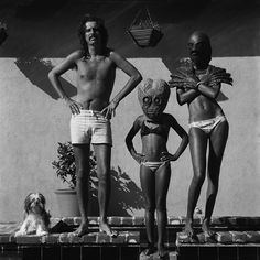 Alice Cooper with his wife and daughter at home in Los Angeles by Terry O'Neil.
