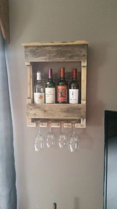 Small Woodworking Projects That Sell – WoodworkeRealm Pallet Home Decor, Pallet Crafts, Diy Pallet Projects, Pallet Furniture, Pallet Ideas, Furniture Chairs, Outdoor Furniture, Furniture Projects, Antique Furniture