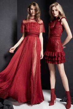 Zuhair Murad Fall 2019 Ready-to-Wear Fashion Show Collection: See the complete Zuhair Murad Fall 2019 Ready-to-Wear collection. Look 25 Red Fashion, Look Fashion, Couture Fashion, Runway Fashion, Fall Fashion, Vogue Fashion, Paris Fashion, Womens Fashion, Fashion Trends