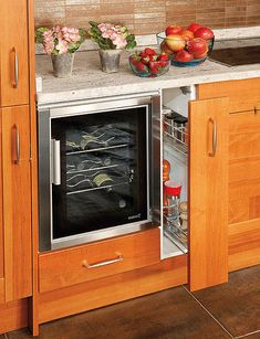 53 Cool Pull Out Kitchen Drawers And Shelves | Shelterness. Need some like this