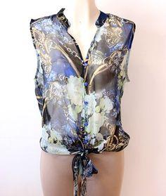 #blusa azul #floreada con #amarre al frente ala moda y fresca