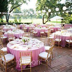 Las bodas al aire libre siempre son bonitas. Para ello, pero, siempre es necesario estar atentos al tiempo y, sobre todo, al mes del enlace.