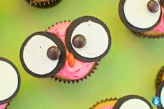 These are the cutest things EVER.  Her whole web page has gazillions of cute owl-themed birthday ideas.