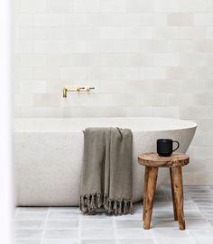 Nordic Minimalist Scandinavian Bathroom design bathtub and gray tile floor with Teak Wood Stool via @the.palm.co very hygge Vintage Bathroom Mirrors, Bathroom Wall Decor, Room Decor, Scandinavian Bathroom Design Ideas, White Vessel Sink, Nordic Furniture, Grey Floor Tiles, Minimalist Scandinavian, Blue Towels
