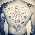 Acabamos de publicar um artigo sobre as #tatuagens do artista Mo Ganji, que faz os desenhos com uma única linha, seguindo um estilo #minimalista e preto e branco. Venha conferir em nosso #blog #tattoos #tattooart #tattoo #tattooed #line #lineart #bodyart #tattooartist #tatuagem #tattoo #ideiaquenteblog #inspiration #inspiracao