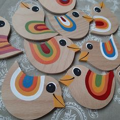 Pin by Radka Drozdová on Pipííííí Bird Crafts, Animal Crafts, Home Crafts, Diy And Crafts, Crafts For Kids, Arts And Crafts, Easter Egg Crafts, Art N Craft, Preschool Art