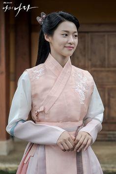 Korean Traditional Dress, Traditional Fashion, Korean Dress, Korean Outfits, Asian Photographs, Princess Weiyoung, Kim Seol Hyun, Nova Era, Anime Dress