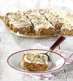 Wortelcake met walnoten Gateaux Cake, Go For It, Healthy Baking, Banana Bread, Smoothies, Carrots, Oatmeal, Cookies, Breakfast