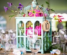 22 Eye-Catching & Inexpensive DIY Wedding Centerpieces/some are not so formal